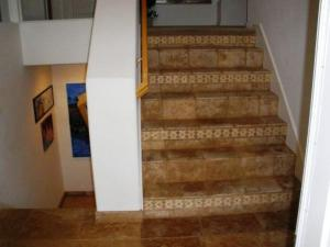 stair case with decorative liners